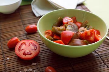 Green salad with tonatoes
