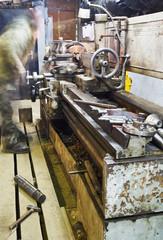 old turning lathe machine