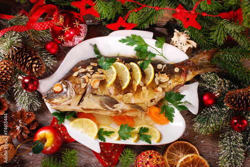 Foto op Aluminium Vis roasted carp stuffed with vegetables for christmas
