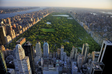 "Постер, картина, фотообои ""Central Park aerial view, Manhattan, New York; Park is surrounde"""