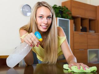 Housewife polishing table