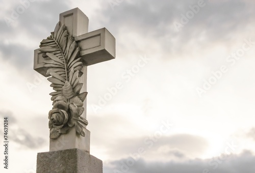 Fotobehang Begraafplaats Tod Trauer Glaube - Steinkreuz