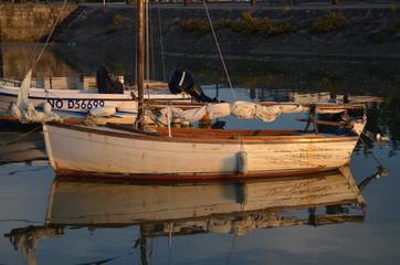 bateau et son reflet