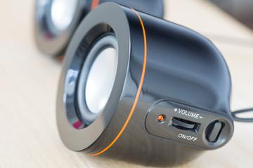 Round speakers