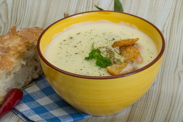 Cheese soup with croutons