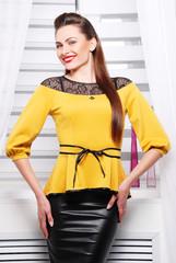 желтая, элегантная блузка