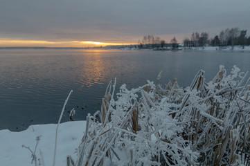 морозное утро на реке, Урал, Россия