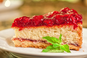 cake with berry's