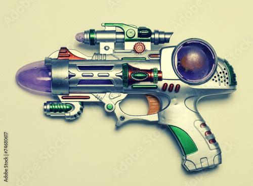 ray gun - 74680617