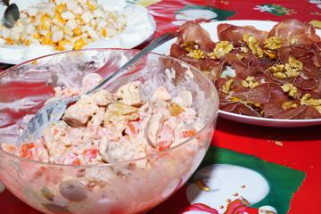 Piatto di mocetta valdostana,surimi e insalata viennese
