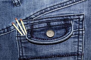 Jeans mit Streichhölzern