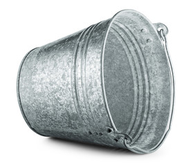 Metallic bucket