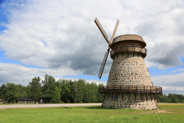 alte Windmühle in Estland III