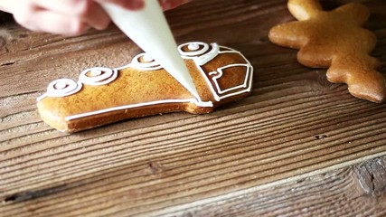 Decorating gingerbread train