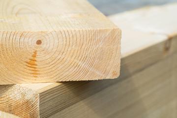Holz - Holzbalken - Bohlen - Baustoffe - Holzbau - Bauen