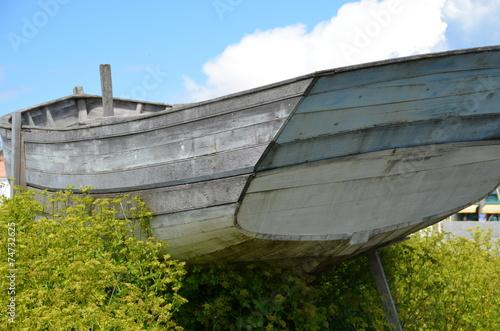 canvas print picture le canot dans les marais de Noirmoutier