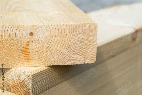 Leinwanddruck Bild Holz - Holzbalken - Bohlen - Baustoffe - Holzbau - Bauen