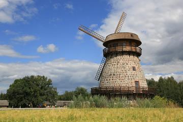 alte Windmühle in Estland V