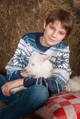 Мальчик с козленком
