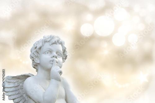 Engel mit Textfreiraum - 74742683