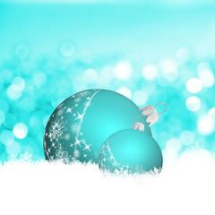 Türkise Weihnachtskugeln im weißen Schnee