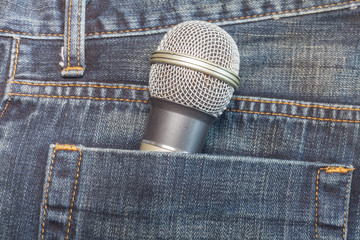 Microphone in pocket