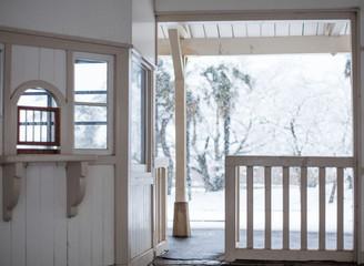 雪の改札口