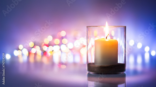 canvas print picture Romantic night with candlelight and bokeh background