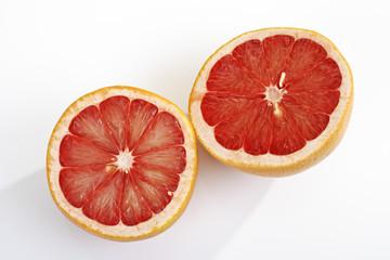 Grapefruit ruby, zwei halbe