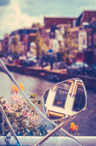 Fotobehang Amsterdam Holland Canal Scene