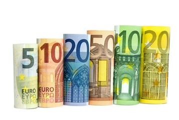 Banknoten gerollt auf weiß isoliert