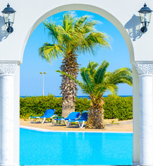 entrance arch palm view