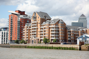 London, warehouse converted into The apartments on the Thames in