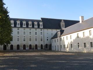 Maine-et-Loire - Abbaye de Fontevraud - Cour Est