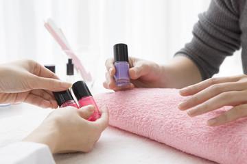nail salon, coloring