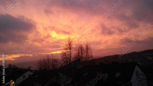 canvas print picture Lila Wolken am morgentlichen Himmel