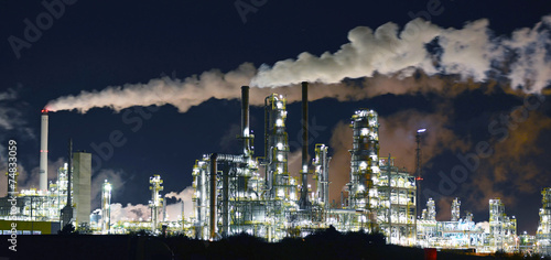 canvas print picture Raffinerie - Chemiewerk // Refinery - chemical plant