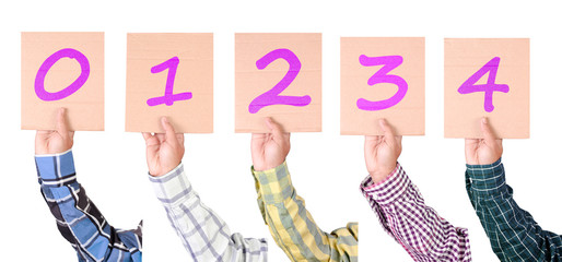 Placard with numbers from 0 to 4 in magenta color