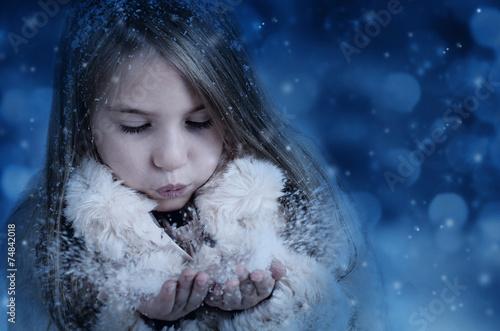 canvas print picture Mädchen im Winter