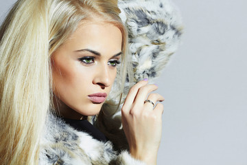 Beauty Fashion Model Girl in Fur.Beautiful Luxury Winter Woman