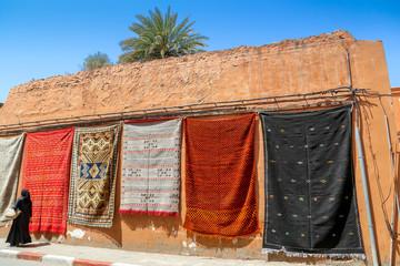 étalage de tapis marocains