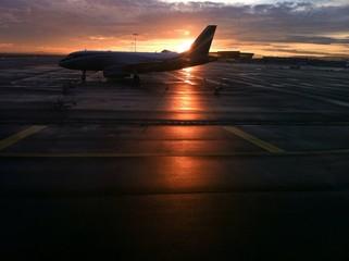 avion en escale a l'aeroport d'Orly