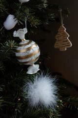 Boule de Noël sur sapin