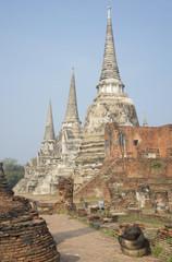 Три чеди храма Ват Пхра Си Санпет.  Аютхая, Таиланд
