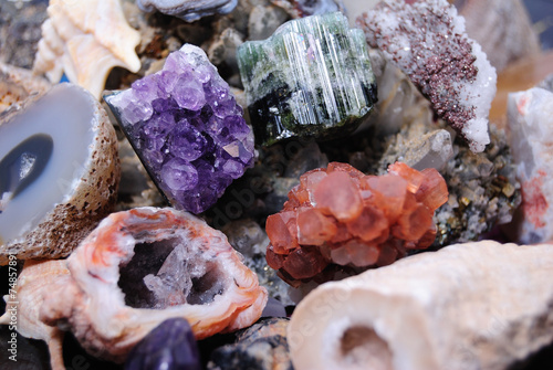 Minerals - 74857891