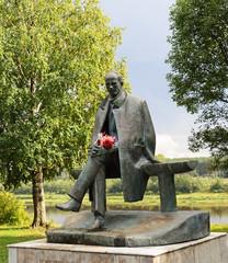 Sculpture of poet Nikolai Rubtsov in Totma