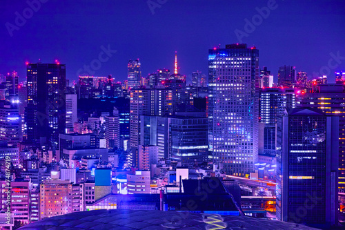 Fotobehang Violet 東京の商業地区の夜景