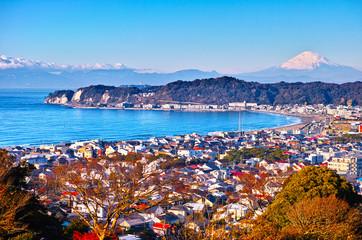 鎌倉の街並みと富士山
