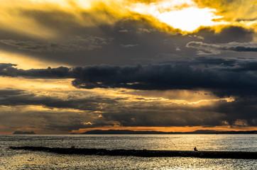 Gewitterwolken am Strand von Marbella