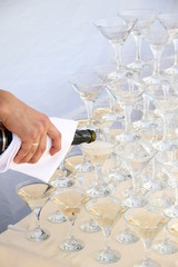 catering - pyramid of champagne glasses